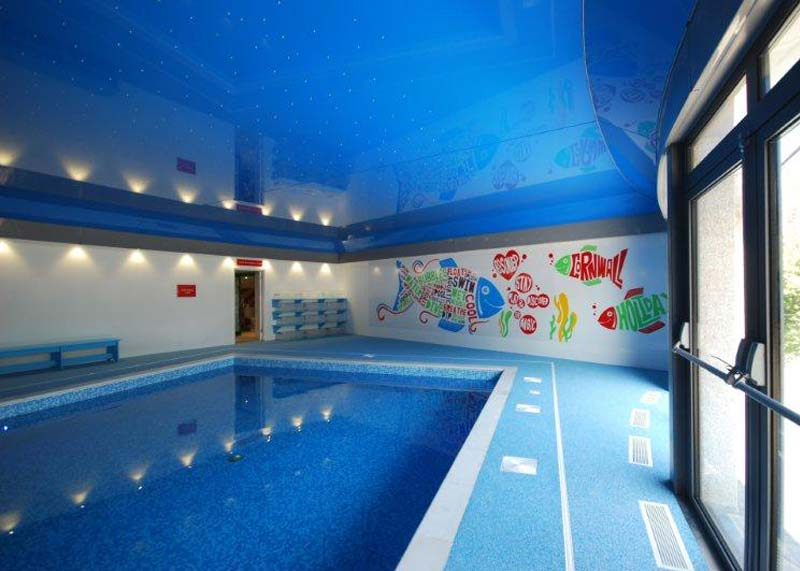 Indoor swimming pool luxury self catering holiday cottages in cornwall for Holiday cottages with swimming pools uk