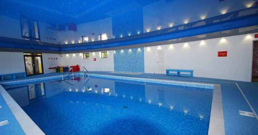 Indoor swimming pool luxury self catering holiday - Holiday homes with indoor swimming pool ...