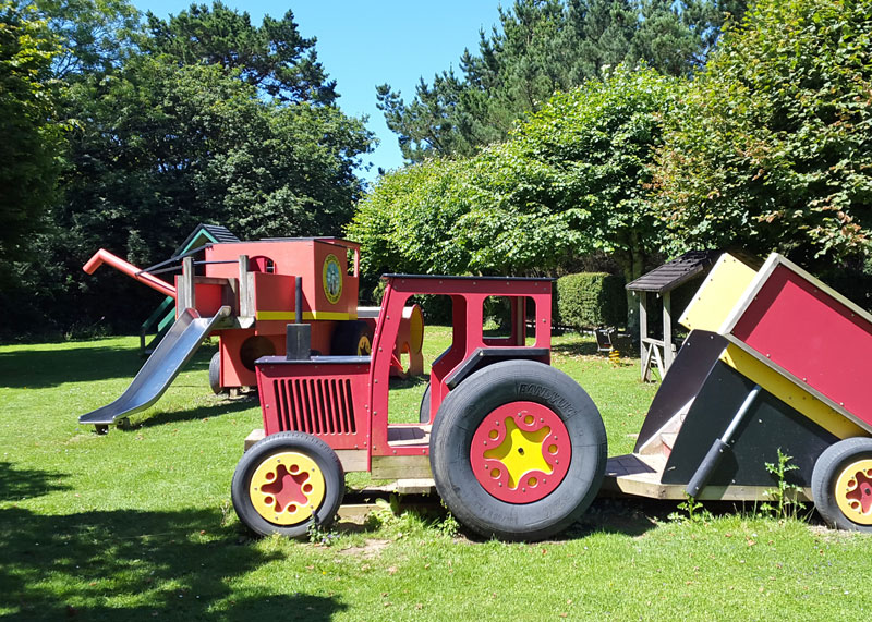 Tractor outdoor play equipment at Bosinver
