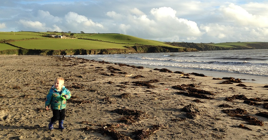 For kite flying in Cornwall, Par Sands Beach is just the ticket