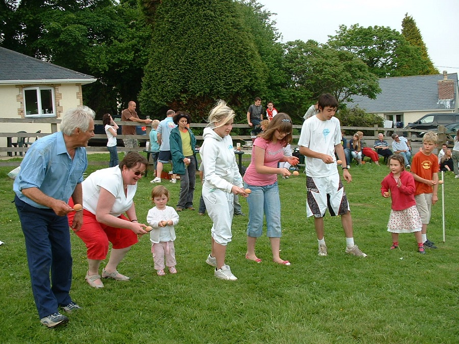 Egg and spoon race at Bosinver
