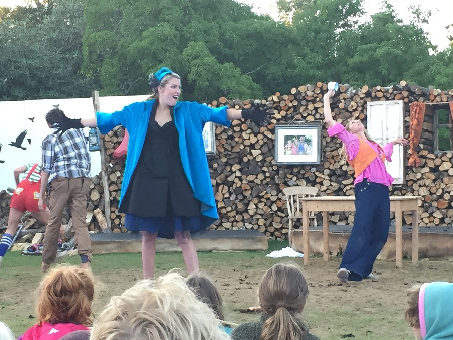 Cscape's spectacular performance of Hansel & Gretel enthralled audiences at Heligan